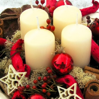 Slavnostní aranže na vánoční stůl