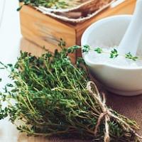 Máte o víkendu trochu času? Připravte si bylinkovou sůl!
