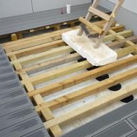 Stavíte novou terasu? Volit můžete z podoby dřevěné a nebo kompozitní!
