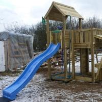Blíží se doba zimování dětských hřišť. Víte jak na to?
