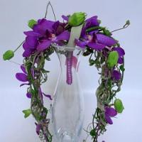 Našli jste pod stromečkem jako dárek orchidej? Zkuste si naaranžovat její květy!