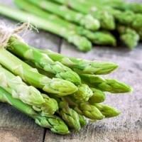 Právě začíná chřestová sezona, vyzkoušejte pár zdravých receptů!