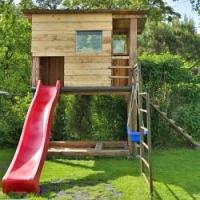 Prázdniny se kvapem blíží, postavte dětem nové hřiště, ať si mají v létě kde hrát…