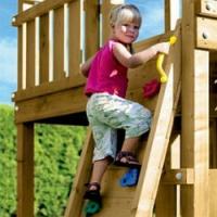 Pomalu končí prázdniny a ostražitosti ubývá. Věnujte pozornost bezpečnosti na dětských hřištích!