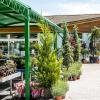 Nemáte rádi neosobní nakupování v hypermarketech? Navštivte naše zahradní centra…