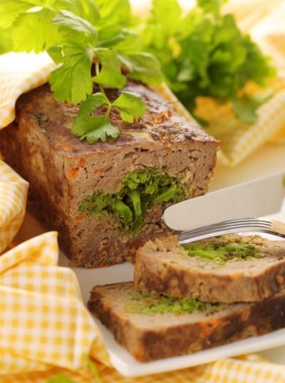 Hovězí sekaná s brokolicí