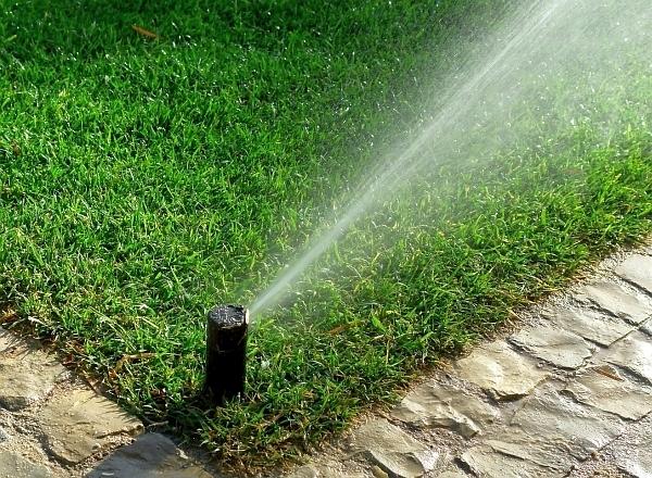 na-podzim-je-nutne-zazimovat-take-zavlahu-ktera-v-dobe-vegetace-zalevala-travnik